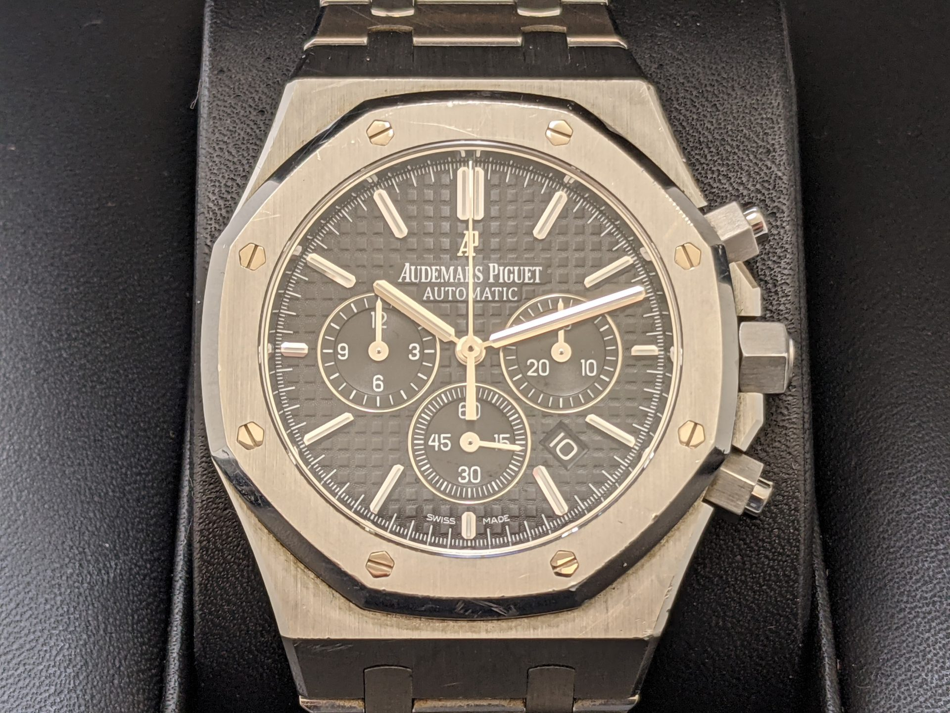AUDEMARS PIGUET ROYAL OAK CHRONOGRAPHAUDEMARS PIGUET ROYAL OAK CHRONOGRAPH
